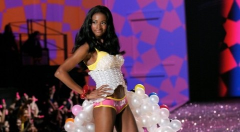 Breaking Boundaries: High Fashion Model Lyndsey Scott Moonlights as App Developer