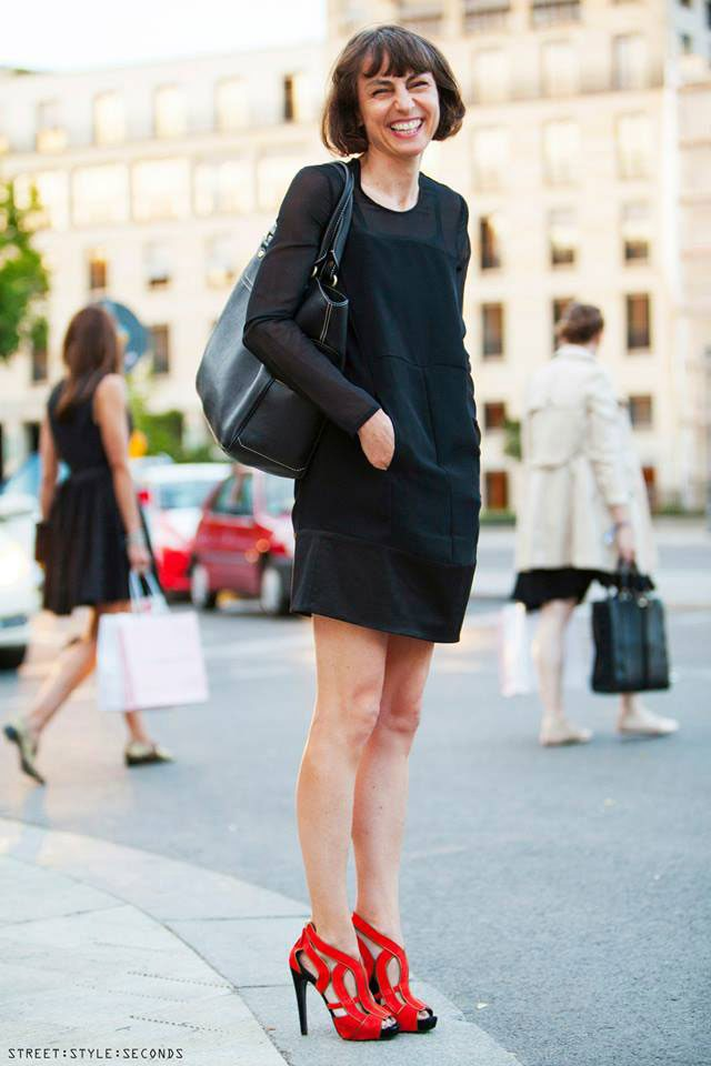 black-dress-red-shoes-style