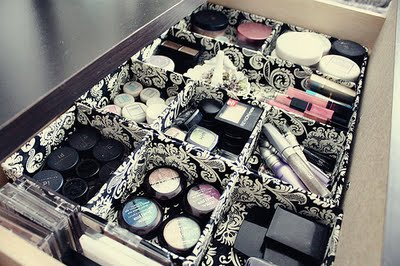 Drawer dividers help keep your cosmetics perfectly organized!
