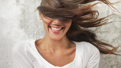 5 Tips For Keeping Your Hair Healthy During Fall & Winter