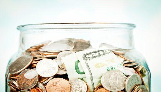 saving-money-in-jar